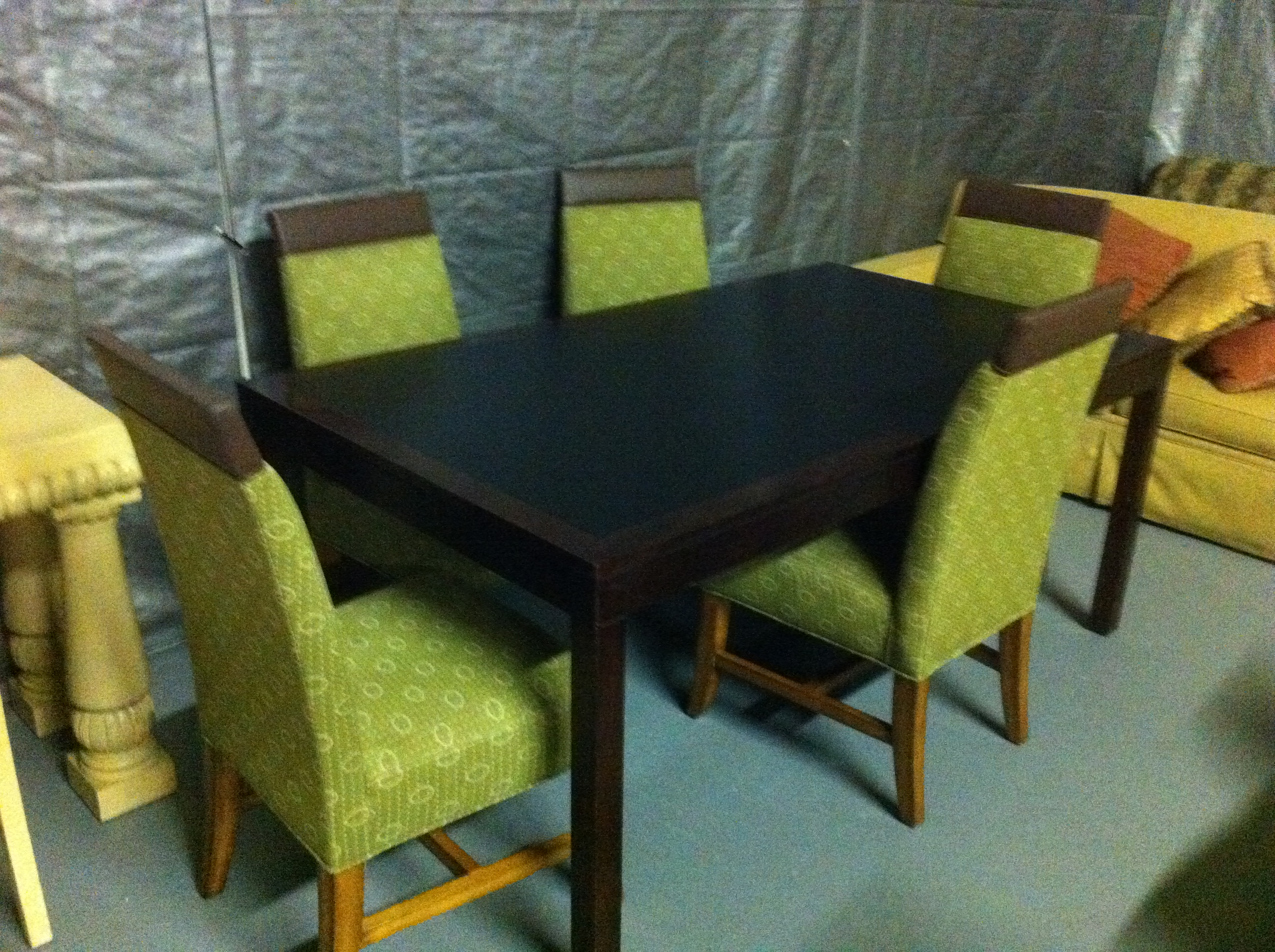 Dining table with chairs in phoenix