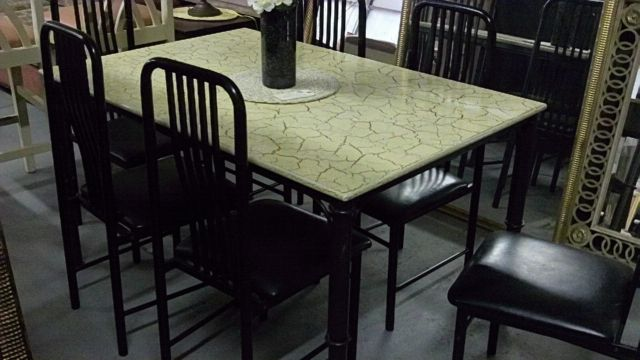 Crackle top dining table and chairs