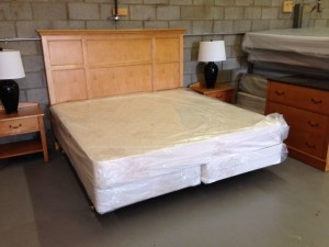 4 Piece Maple Bedroom Set